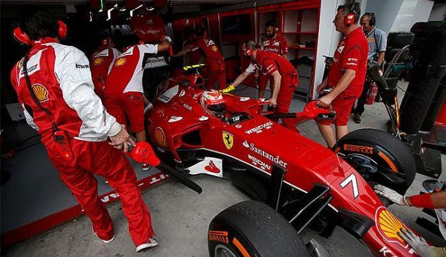 Kimi Raikkonen terminou em segundo lugar nas duas atividades do dia - Foto: Edgar Su l Reuters