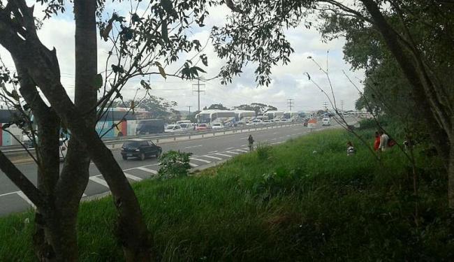 Trânsito ficou congestionado na região - Foto: Roberto Lima | Cidadão Repórter