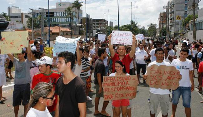 Estudantes prometem novo protesto nesta segunda-feira - Foto: Marco Aurélio Martins | Ag. A TARDE