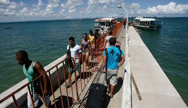 Terminal Marítimo de Salvador vai ganhar uma embarcação com destino a Madre de Deus - Foto: Raul Spinassé | Ag. A TARDE