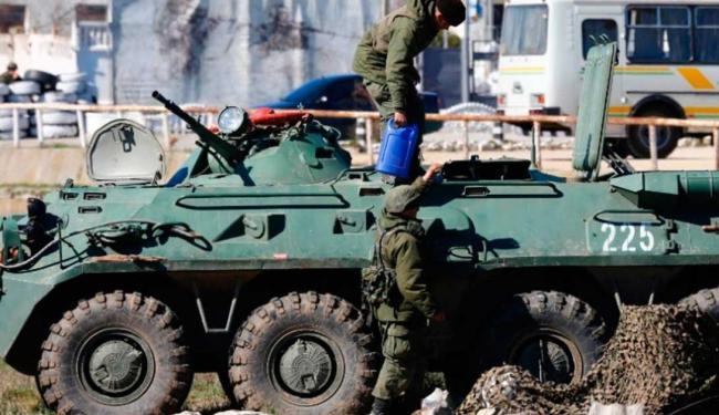 Várias bases militares ucranianas foram ocupadas por russos nos últimos dias - Foto: Agência Reuters