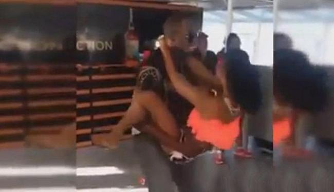 Atleta simula uma relação sexual com a parceira de dança - Foto: Reprodução