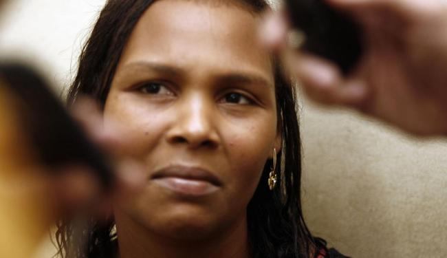 Viviane Pereira, mãe da menina internada - Foto: Luiz Tito | Ag. A TARDE