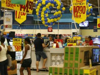 Mercados funcionarão em horários especiais no feriado - Foto: Adilton Venegeroles | Ag. A TARDE
