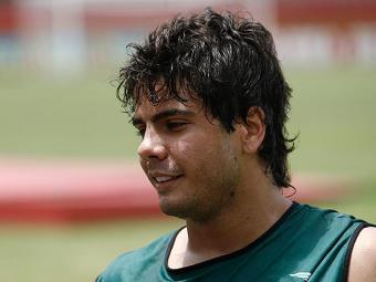 Henrique, ex-Botafogo, já está em Salvador e deve ser apresentado nesta quarta-feira - Foto: Raul Spinassé   Ag. A TARDE