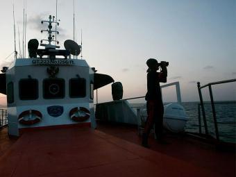 Bateria da caixa-preta está acabando, o que preocupa equipes de buscas - Foto: Agência Reuters