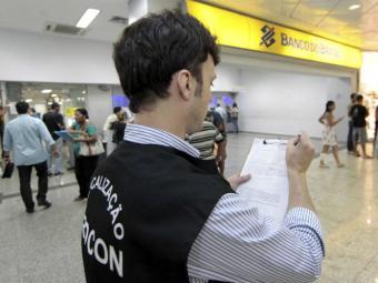 Operação já havia autuado nesta segunda-feira, 14, quatro agências bancárias - Foto: Eduardo Martins   Ag. A TARDE