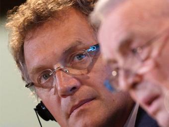 Fifa confirma que Valcke (à esquerda) continuou a receber salário após sair da Fifa - Foto: Agência Reuters