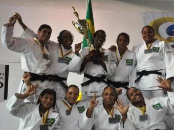 Brasileiras ficaram com a prata por equipes - Foto: Divulgação l CBJ