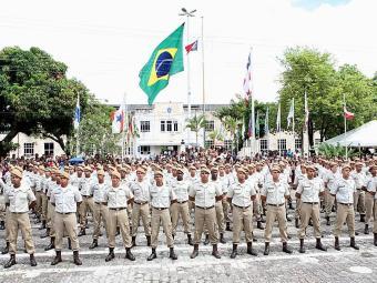 Soldados devem se formar e começar a trabalhar até o próximo ano - Foto: Vaner Casaes | Ag. A TARDE