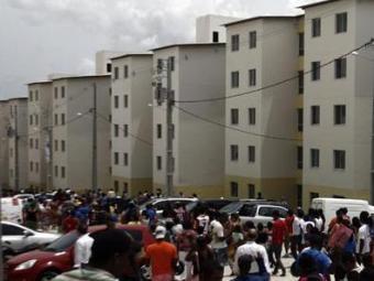 Cada unidade do Minha Casa de até R$ 1,6 mil custa aos cofres público de R$ 54 mil a R$ 76 mil - Foto: Luiz Tito/Ag. A Tarde