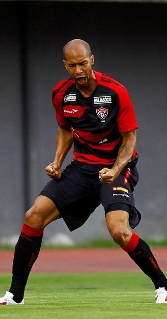 Dinei comemorou o primeiro gol do Leão logo no início do jogo - Foto: Eduardo Martins | Ag. A TARDE