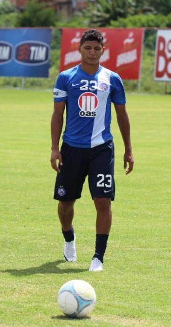 Jeam marcou os dois gols do título do Sub-20 e pode pintar na vaga de Rhayner no domingo - Foto: Esporte Clube Bahia | Divulgação
