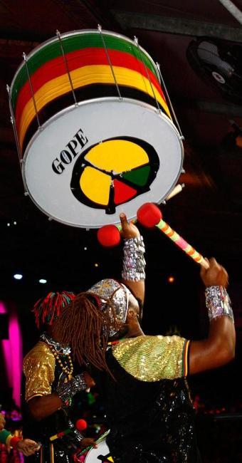 Banda Olodum fará mais uma de suas marcantes aparições na Copa - Foto: Margarida Neide | Ag. A TARDE