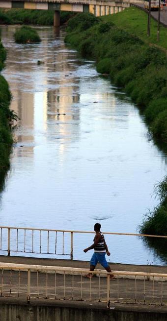 O Camarajipe foi avaliado como o rio em pior situação - Foto: Joá Souza | Ag. A TARDE