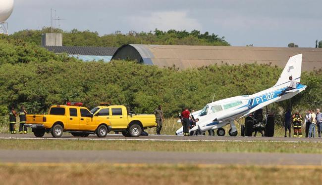 O piloto chegou a fazer um sobrevoo, quando identificou problemas mecânicos - Foto: Lúcio Távora | Ag. A TARDE