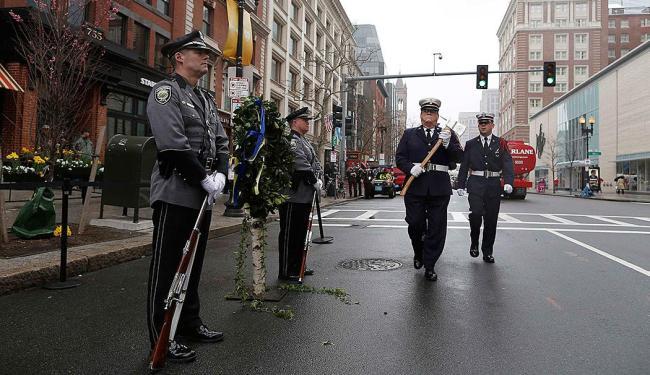 Guardas de Honra protegem homenagem no local do atentado - Foto: Agência Reuters