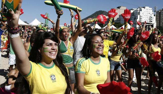 Torcida brasileira participa da Fan Fest, em 2010, na África do Sul - Foto: Marcelo Sayão | EFE