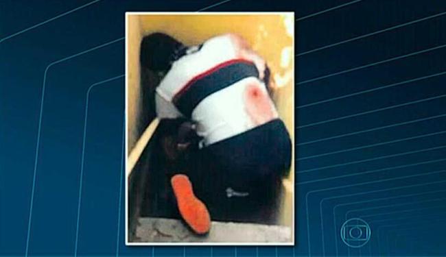 É possível identificar o local onde o dançarino foi baleado - Foto: Reprodução | TV Globo