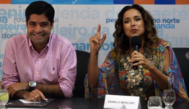 Ao lado de Neto, Daniela informou que ensaios são intensos para que o show seja emocionante - Foto: Lúcio Távora   Ag. A TARDE