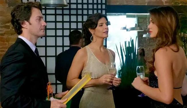 Luiza e Verônica trocam alfinetadas e Laerte tenta acalmá-las - Foto: TV Globo | Divulgação