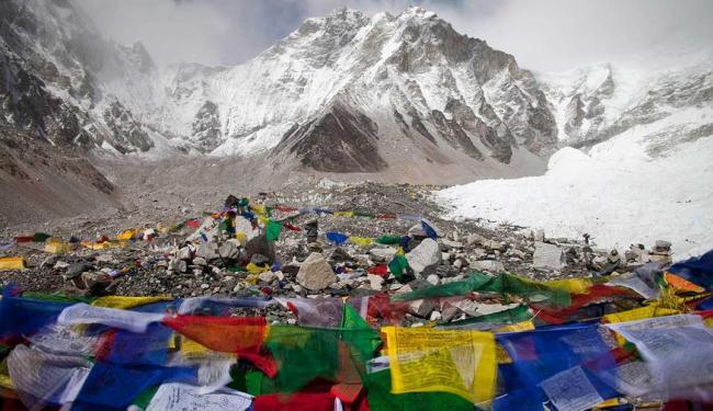 Vítimas eram guias nepaleses que saíram durante a manhã com barracas, alimentos e cordas - Foto: Agência Reuters