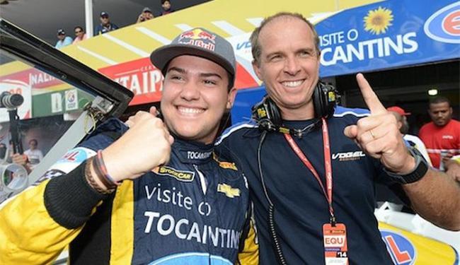 Piloto de 18 anos (à direita) crava a marca de 57s161 - Foto: Fernanda Freixosa l Vicar