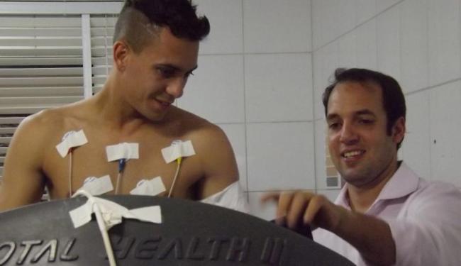 Atacante de 23 anos tem contrato com o Internacional até 2018 e chega por empréstimo ao Vitória - Foto: Esporte Clube Vitória | Divulgação