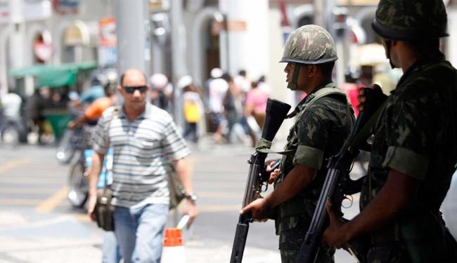 Homens do Exército estarão em Salvador por conta da greve da PM - Foto: Luiz Tito | Ag. A TARDE | 06.02.2012