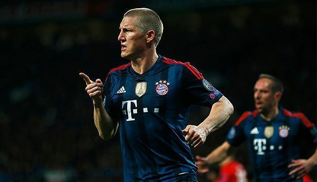 Schweinsteiger comemora após empatar a partida contra o Manchester - Foto: | Ag. A TARDE