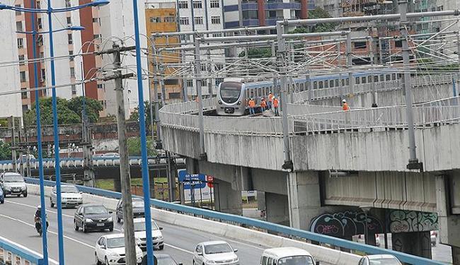 Funcionários e técnicos da CCR Metrô Bahia cumpriram o trajeto da linha 1 - Foto: Marco Aurélio Martins | Ag. A TARDE