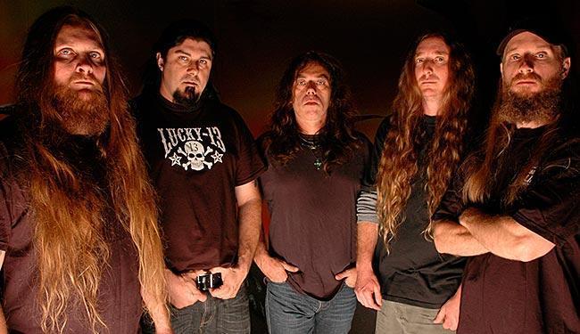 Além da banda Obituary, também se apresentam Headhunter DC e Malefactor - Foto: Erick Tedesco | Divulgação