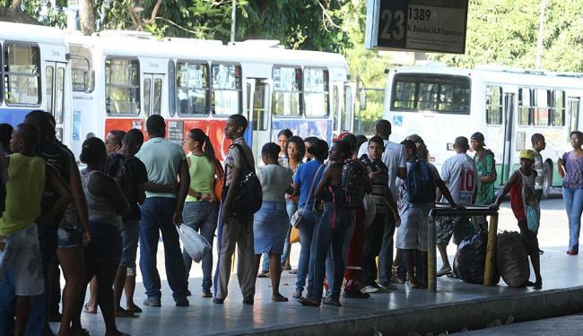 Pontos de ônibus deverão ter painel digital indicando linhas e horários - Foto: Lúcio Távora | Ag. A TARDE