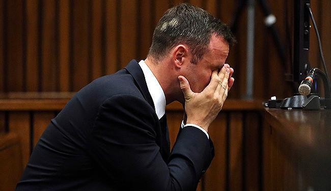 O promotor Gerrie Nel fez o atleta dizer que ele havia matado Steenkamp - Foto: Themba Hadebe l Pool l Reuters