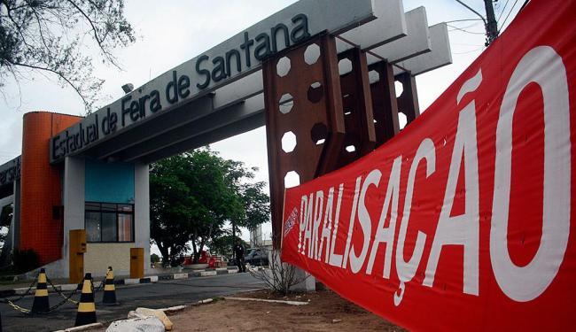 Paralisação é motivada pela redução de verbas do Estado em quase R$ 12 milhões - Foto: Luiz Tito | Ag. A TARDE