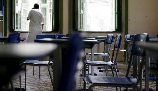 Essa é a quarta vez que as aulas ficam vazias esse ano na rede estadual - Foto: Raul Spinassé | Ag. A TARDE