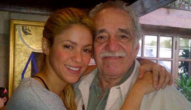 A cantora Shakira com Gabriel García Márquez - Foto: Reprodução   Instagram