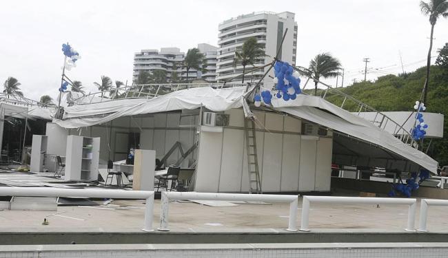 Toldo caiu durante apresentação do projeto imobiliário do novo clube - Foto: Luciano da Mata | Ag. A TARDE