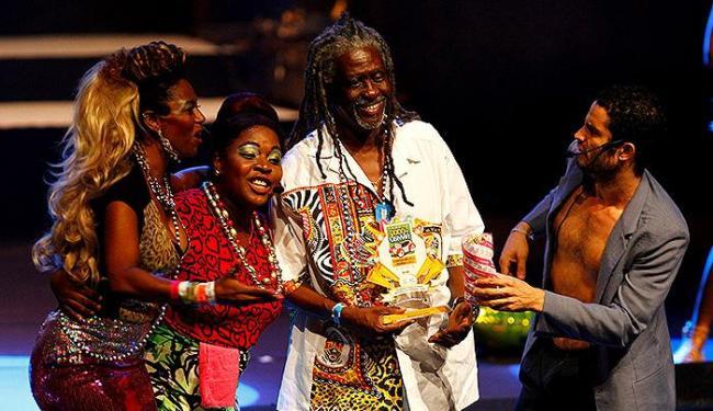 Vovô do Ilê recebe troféu de melhor bloco afro - Foto: Eduardo Martins | Ag. A TARDE