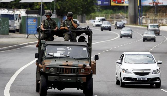 Grupos das forças nacionais patrulham ruas enquanto aguardam ordem para deixar Salvador - Foto: Fernando Vivas | Ag. A TARDE