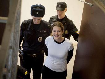 A ativista brasileira Ana Paula Maciel foi presa com colegas no ano passado - Foto: Agência Reuters