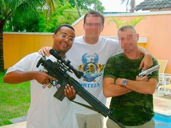 A afeição de Dudu Nobre por armas não é novidade nos bastidores do meio artístico - Foto: Reprodução