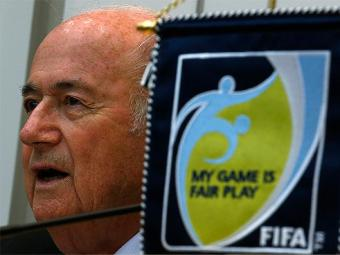 Blatter alerta que foi o governo brasileiro quem decidiu levar a Copa para lugares como Manaus - Foto: Bobby Yip l Reuters
