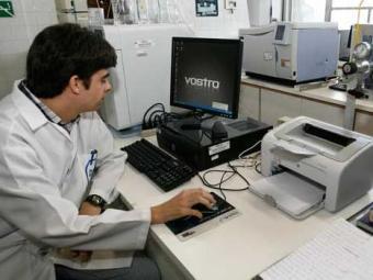 Perito criminalístico trabalha no Instituto Médico Legal - Foto: Luciano da Matta | Ag. A TARDE