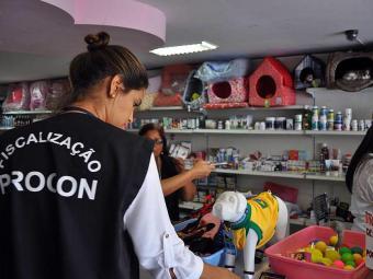 Vistoria foi feita em pelo menos 35 pet shops da capital baiana - Foto: William Moura | Divulgação