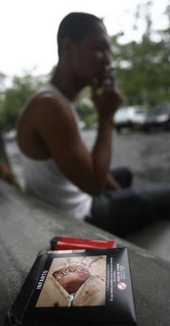 54% dos brasileiros relatam um alto grau de dependência à nicotina - Foto: Lunaé Parracho / Ag. A Tarde Data: 26/08/2010