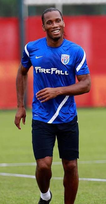 Drogba ganhou destaque no futebol europeu quando jogava pelo Chelsea - Foto: AP Photo