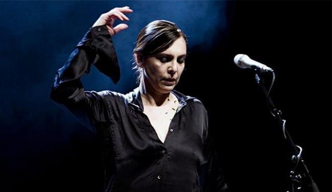 Cantora lança CD e DVD ao vivo do show