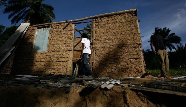 Em janeiro moradores acusaram fuzileiros navais de derrubarem casas na comunidade - Foto: Raul Spinassé | Ag. A TARDE