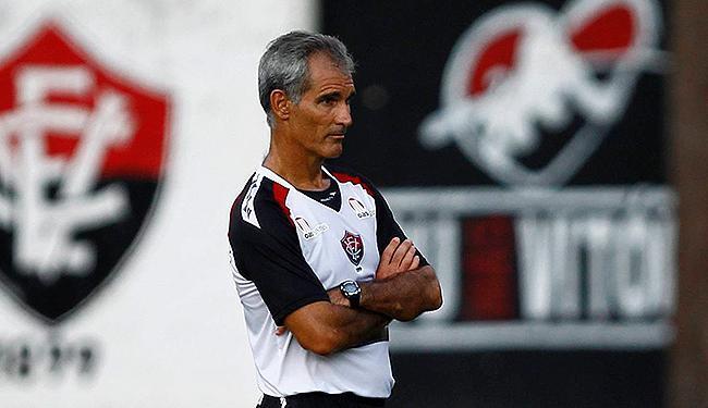 Carlos Amadeu contará com reforços para duelo em Feira - Foto: Eduardo Martins   Ag. A TARDE